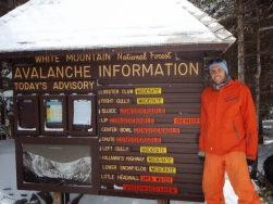 It's important to wear clothes that match the avalanche danger.